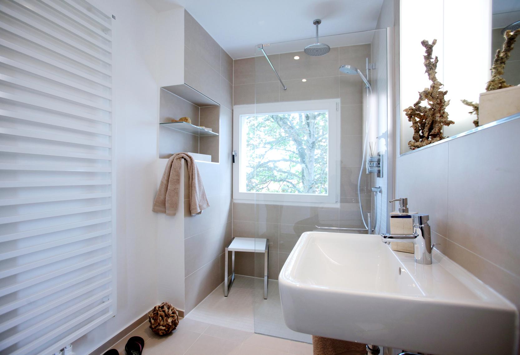 Badezimmer nach renovierung zero therm for Renovierung badezimmer